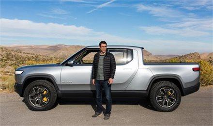 הרכב החשמלי של ריוויאן מבטיח אותנטית של נהיגת שטח