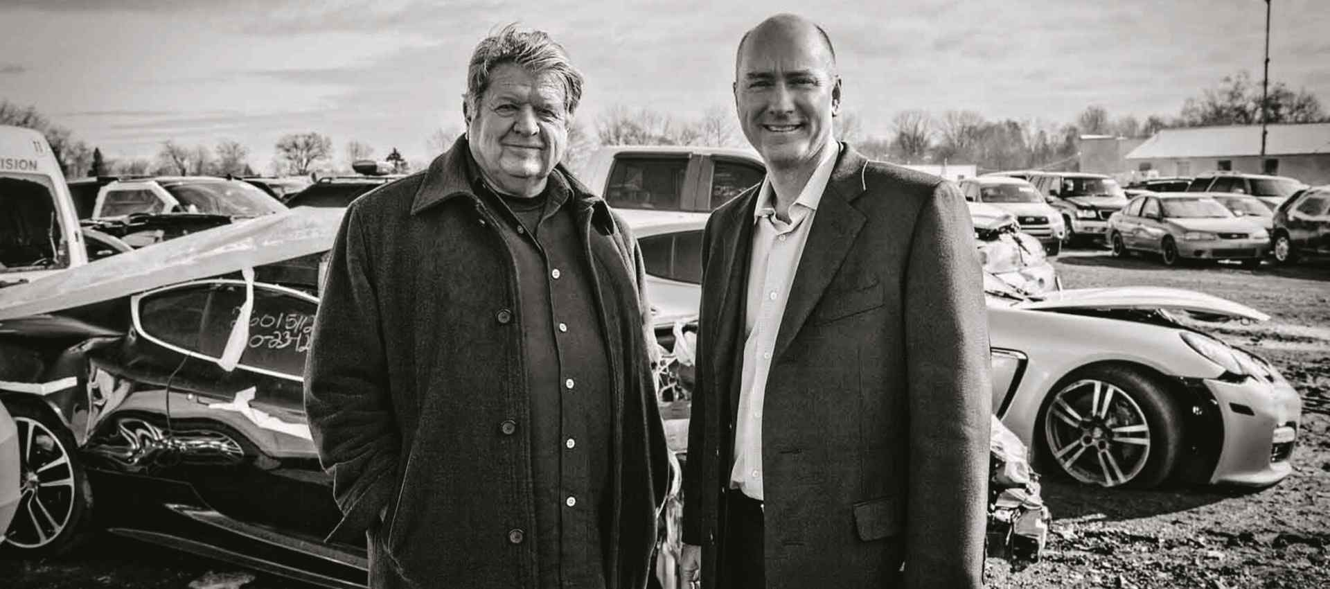 """אדיר (מימין) וג'ונסון. """"אפילו אם בפלורידה יש טורנדו אנחנו מוכרים"""". צילום: Phil Kline"""