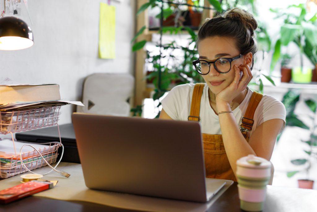 עבודה מהבית: האם שוק העבודה בדרך למודל עבודה היברידי?   צילום: Shutterstock