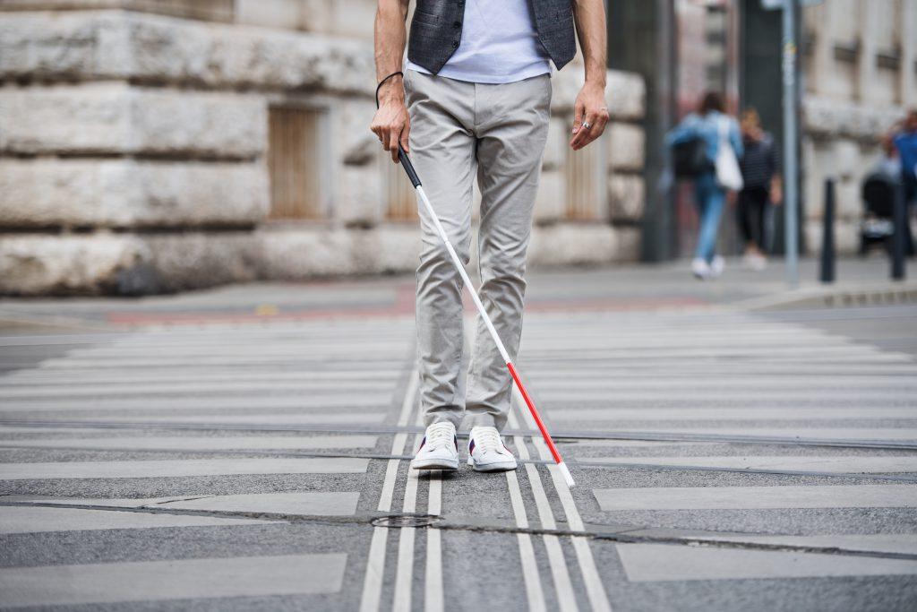 אדם עיוור   צילום: Shutterstock