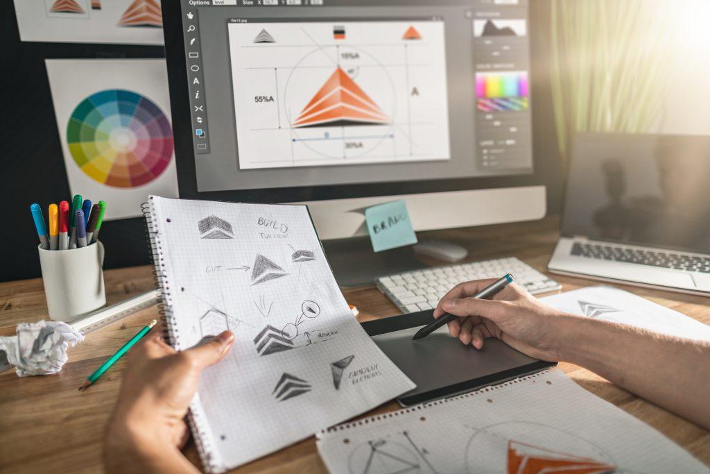 בלי גרפיקאים או מעצבי אתרים. כך תחסכו עבור העסק החדש | צילום: Shutterstock