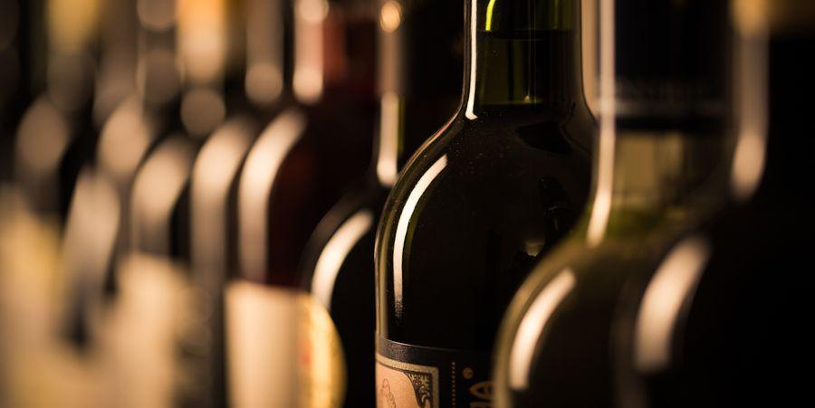 יינות בורדו. קונים מחפשים ערך רב יותר ולכן הם פונים לאזורי יין אחרים. צילום: shutterstock