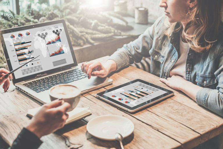 יצירת קהילה והעלאת תוכן עם ערך מוסף - כך תייצרו מערך שיווק דיגיטלי יעיל | צילום: Shutterstock